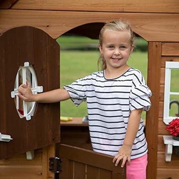 Backyard Discovery Spielhaus Aspen aus Holz   Outdoor Kinderspielhaus für den Garten inklusive Zubehör   Gartenhaus für Kinder mit Fenstern in Braun & Weiß - 3