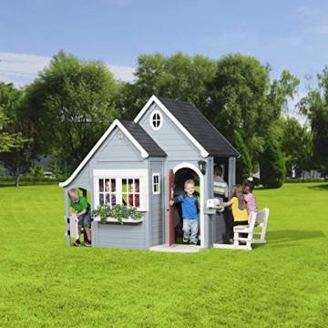 Backyard Discovery Spielhaus Spring Cottage aus Holz  Outdoor Kinderspielhaus für den Garten inklusive Zubehör   Gartenhaus für Kinder mit Fenstern in Grau & Schwarz - 6