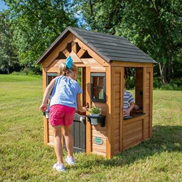 Backyard Discovery Spielhaus Sweetwater aus Holz | Outdoor Kinderspielhaus für den Garten inklusive Zubehör | Gartenhaus für Kinder mit Fenstern in Braun & Schwarz - 2