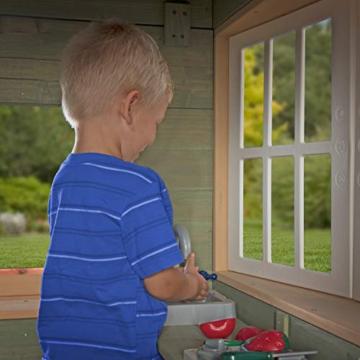 Backyard Discovery Spielhaus Victorian Inn aus Holz | Outdoor Kinderspielhaus für den Garten inklusive Zubehör | Gartenhaus für Kinder mit Fenstern in Grün - 8