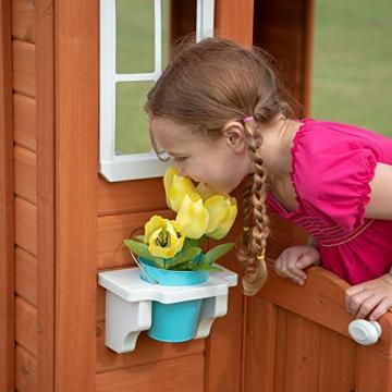 Beauty.Scouts Holzspielhaus Svante mit Blumentopfhalter u. Spielzubehör 117x107x140cm aus Zedernholz in braun Kinder Spielhaus Kinderspielhaus modern schick - 6
